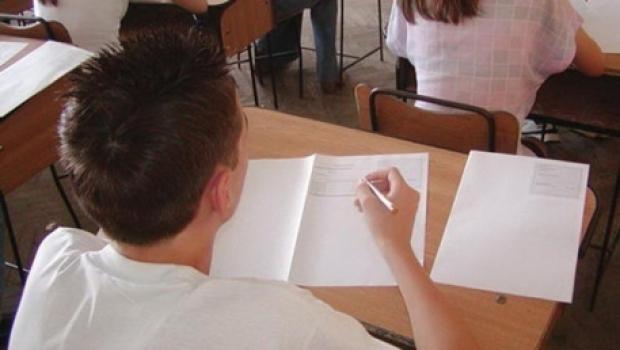 Calendarul examenelor pentru elevii din clasele terminale