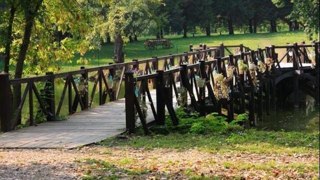 Pod de lemn amplasat pe domeniul Stirbey din Buftea