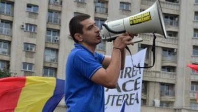 Photo of Cine este George Simion (AUR) și de când trăiește în București?