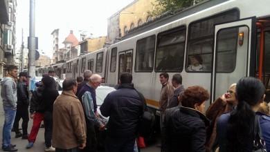 Photo of Incident pe linia de tramvai 21 din București. Traseu deviat și interveția Ambulanței