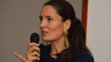 Photo of Primarul Sectorului 1, Clotilde Armand, a publicat contractul de achiziție a 45.000 de tablete pentru școlari