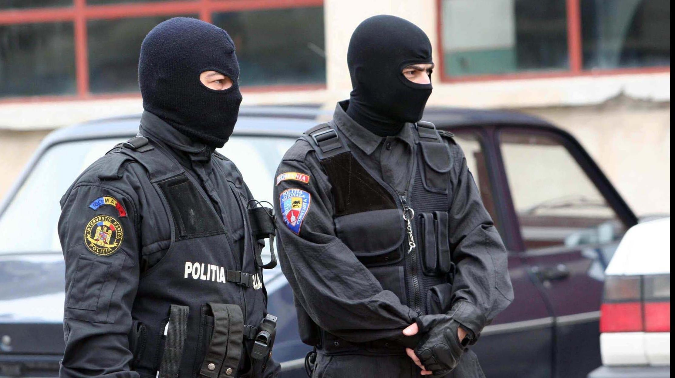 Percheziții în București și alte cinci județe. Mai multe persoane ar fi primit, fără drept, indemnizații pentru drepturile de autor
