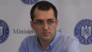 Photo of Vestea foarte rea primită de Vlad Voiculescu în Parlament. Și confesiunea ministrului Sănătății