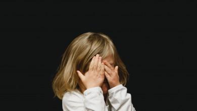 Photo of Se întorc sau nu copiii la școală de luni? Ministrul Educației o întoarce pe toate părțile și se răzgândește. Noutatea-hibrid a zilei