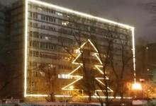 Photo of Imaginile zilei de Sărbători din București. Un bloc din Drumul Taberei, împodobit cu totul