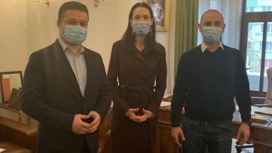 Photo of Primarii vecini de sectoare, întâlniri de stat la taclale. Armand, Mihaiu şi Ciucu cer un Guvern atent la nevoile comunităţilor locale