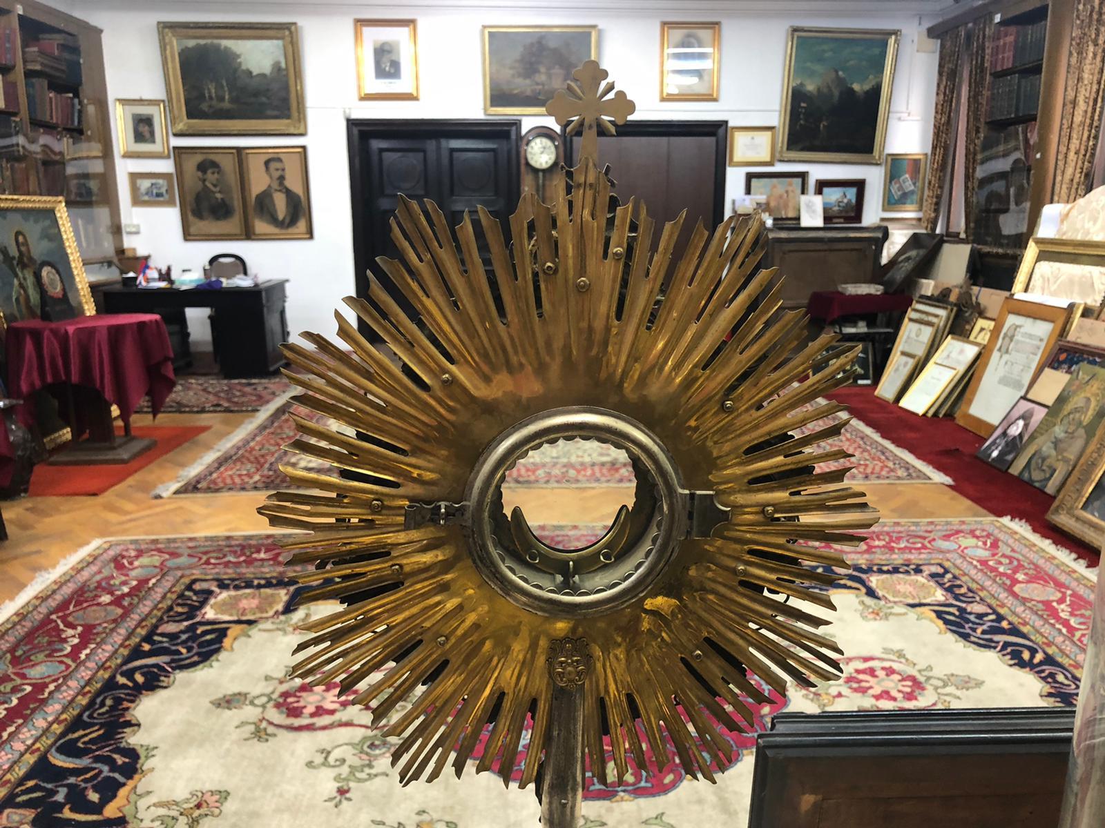 muzeul, bisericii, armenesti, interior, obiecte de cult