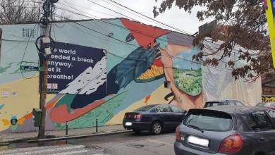 """Photo of Cum dispare sub ochii noștri """"Casa cu Graffiti"""" de pe Arthur Verona. Demolarea e în toi. """"De unde atâta uşurinţă în a distruge patrimoniul construit al Bucureştiului?"""""""