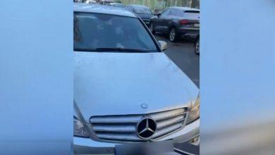 Photo of VIDEO I Șoferul care a lovit intenționat un cărucior cu un copil în el a fost arestat. Imaginile au făcut furori pe social media