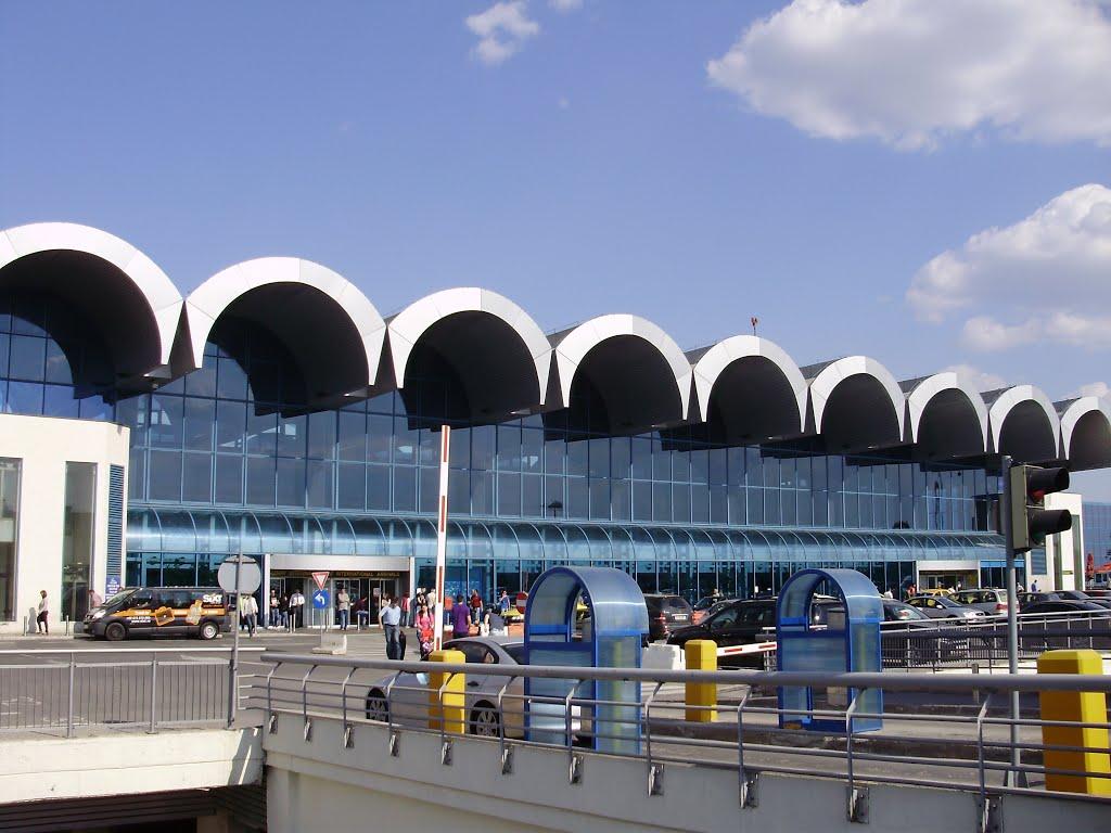 mai puţine ghişee şi porţi de îmbarcare la Aeroportul Otopeni