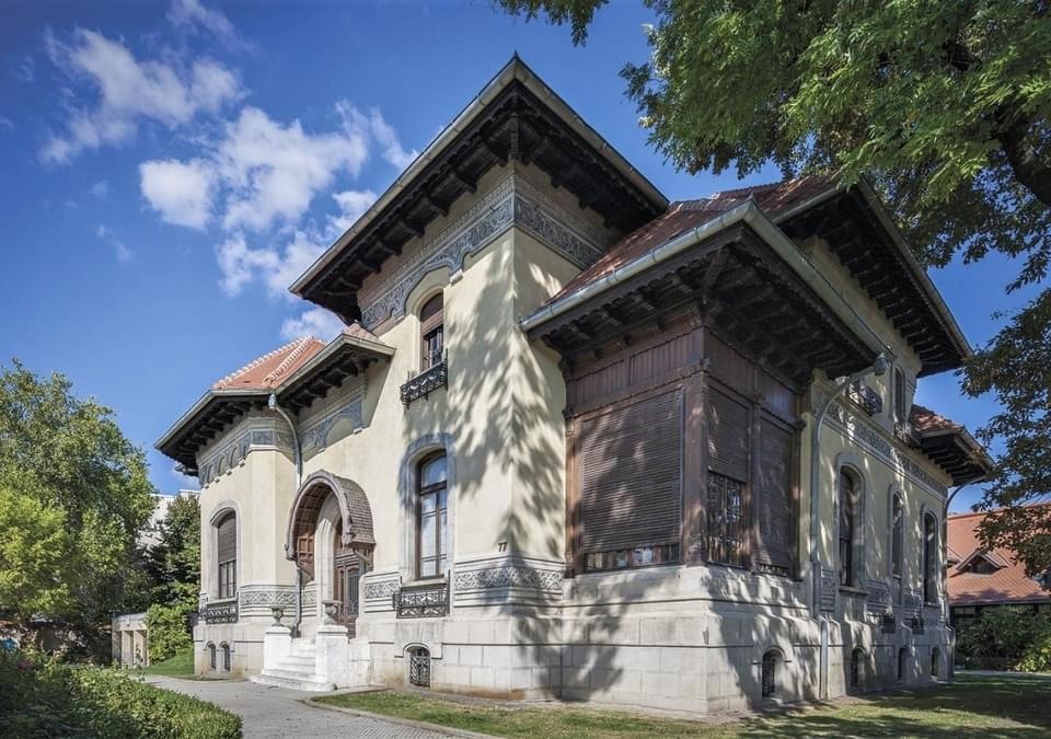 cladirea, restaurata, de pe strada romulus, stil, neoromanesc
