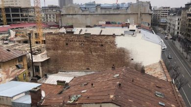 Photo of Dezolant. Ce văd turiștii străini de pe terasa hotelului Cișmigiu: Bucureștiul muribund. În contrapunct, clădirea care a renăscut din propria-i cenușă