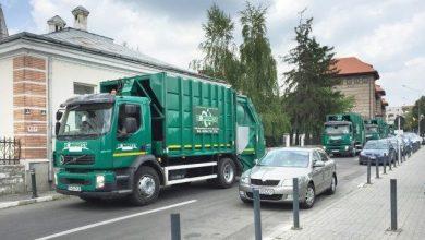 """Photo of Romprest şi-a scos maşinile la protest în Sectorul 1. Clotilde Armand: """"Nu voi mai tolera şantajul şi ameninţările mafiei gunoaielor"""""""