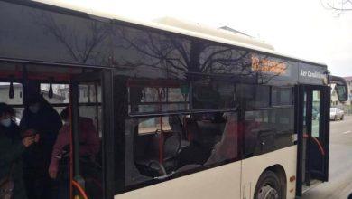 Photo of Fereastra unui autobuz STB din Capitală s-a spart peste călători după ce mașina a dat într-o groapă