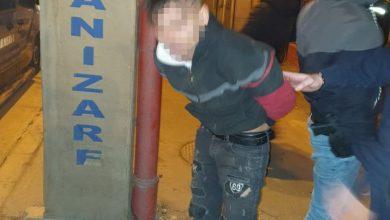 Photo of Patru tineri, prinși la furat în București. Poliția a tras focuri de armă, un hoț s-a ascuns într-o cușcă de câine