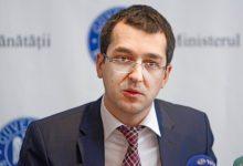 Photo of Vlad Voiculescu modifică condiţiile de înmormântare a persoanelor infectate cu COVID. Decizia urmează să apară în Monitorul Oficial
