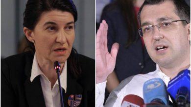 Photo of Contre pe Facebook între Vlad Voiculescu și Violeta Alexandru. Ministrul Sănătății acuză că s-au trucat datele pandemiei pentru organizarea alegerilor