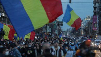 Photo of Încă o zi de proteste în Bucureşti şi în ţară: Jos cu starea de alertă