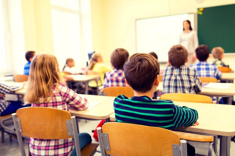 Anul școlar 2021-2022 ar putea începe mai devreme