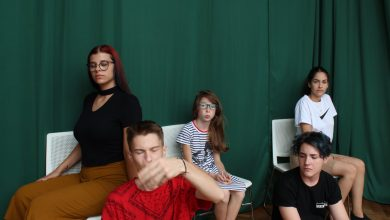"""Photo of Studiourile Ferentari își deschid porțile. Asociația Zi de Bine vrea să fie alături de copii și """"să-i aplaudăm într-o zi, când vor urca pe scenele festivalurilor de teatru la care merită să ajungă"""""""