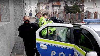 Photo of Urmărire ca-n filmele de acțiune în București. Bărbat înarmat și fără permis de conducere, reținut de poliție cu mare scandal VIDEO