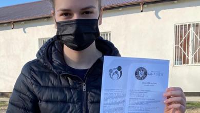 Photo of Ștefania, o tânără de nici 18 ani din Ilfov a călătorit 1624 de km pentru a se vaccina anti-COVID 19