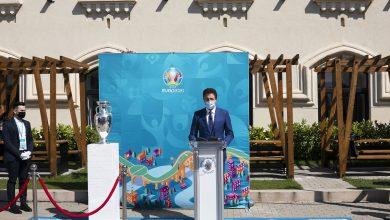"""Photo of Trofeul UEFA EURO 2020 a ajuns în Capitală. Nicușor Dan: """"Vă asigur că Bucureştiul va fi o gazdă primitoare"""""""