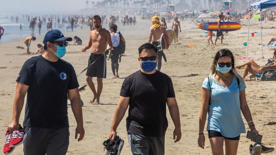 mască la plajă