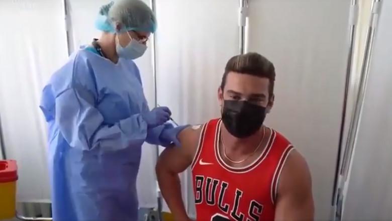 Dorian Popa Vaccinat