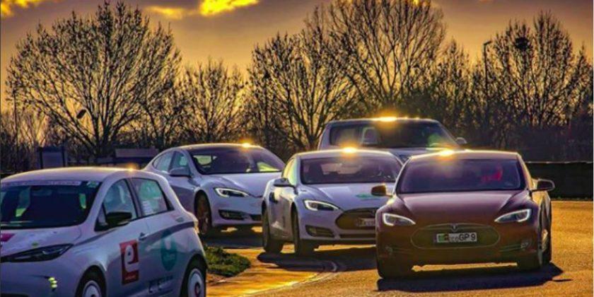 Cursă cu mașini electrice la Romexpo