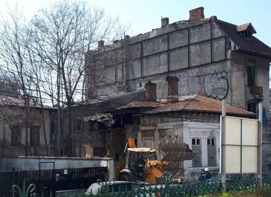 demolarea caselor vechi de peste 100 de ani de pe strada Icoanei