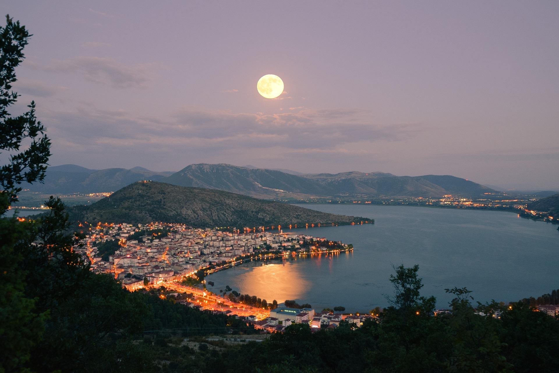 Romanii vor putea merge in vacanta in Grecia de pe 16 aprilie