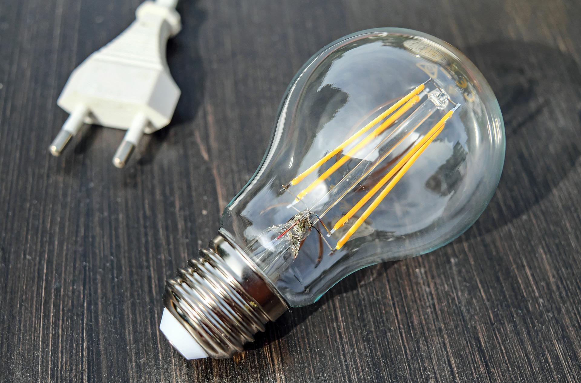 Se întrerupe curentul electric în București, Giurgiu și Ilfov. Anunțul făcut de E-Distribuție Muntenia