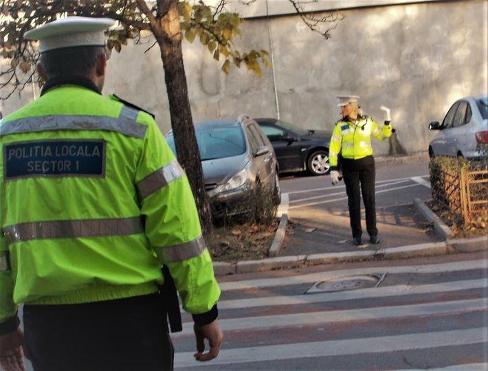 Primăria Sectorului 1 vrea să ridice maşinile parcate neregulamentar