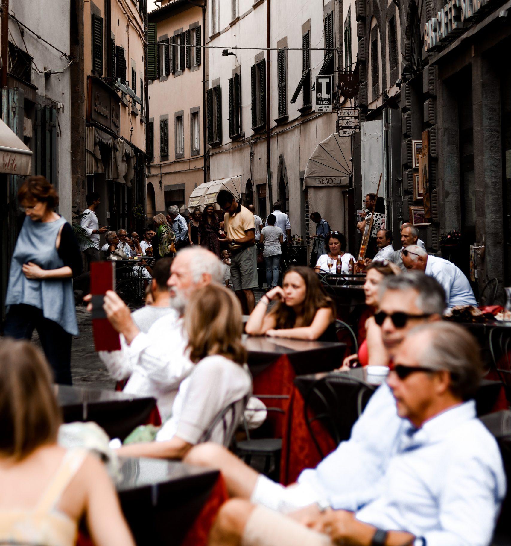 Gratuitate taxe spatiu public restaurante