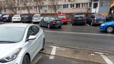 Photo of Amenzi pentru șoferii care au parcat mașinile pe linia de tramvai