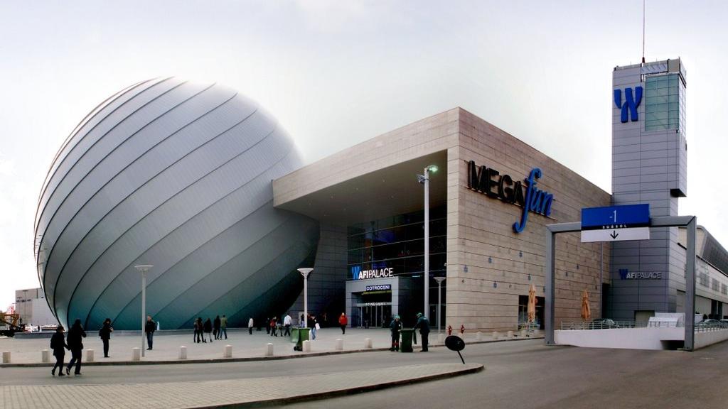 Program mall-uri București de Paște și 1 Mai