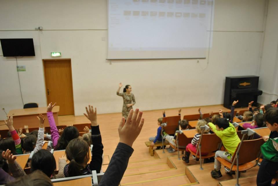 """Școala Gimnazială """"Pia Brătianu"""""""