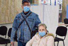 Photo of Poveste emoționantă în București. Un bărbat s-a vaccinat ca să poată să meargă la tratament cu soția în străinătate
