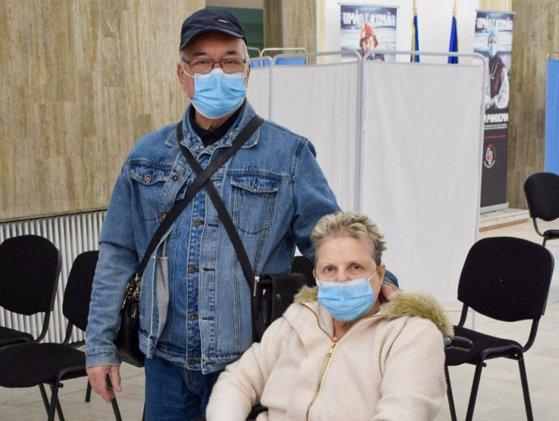 s-a vaccinat ca să poată să meargă la tratament cu soția