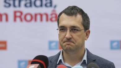 Photo of Vlad Voiculescu vine cu noi detalii privind decesele COVID din România: E ceva în neregulă. Nu e exclus să fie câteva mii de morți în plus