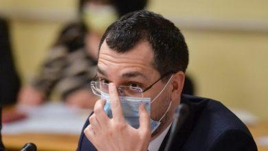 Photo of Vlad Voiculescu – prima zi când nu mai e ministru. Cum și-a petrecut ultima zi la Ministerul Sănătății