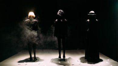 Photo of Mare-i Dumnezeu, Pandemia a ajuns exponat la Muzeu. Obiectele de care te-ai atașat sau pe care le urăști sunt în vitrină, la București