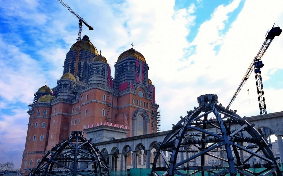 Catedrala Mântuirii Neamului din București are cel mai mare iconostas
