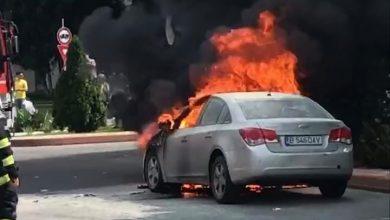 Photo of O mașină din București a luat foc din senin în trafic. Pompierii au intervenit de urgență VIDEO