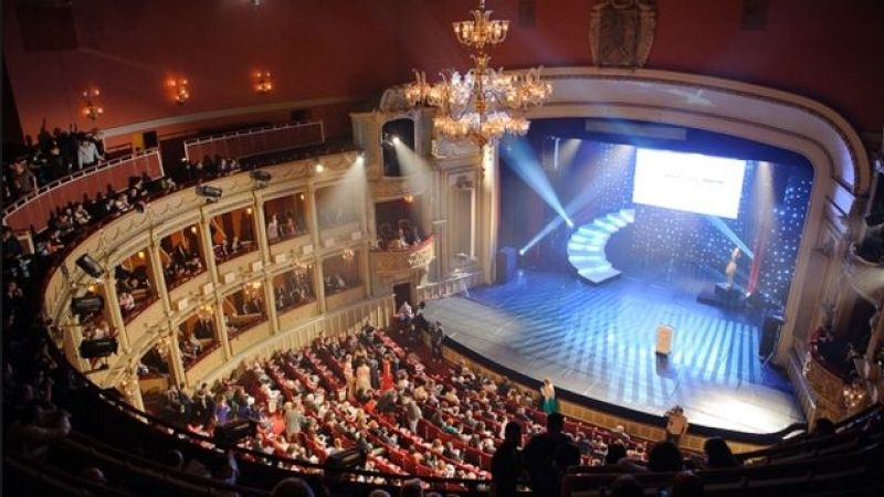 Primele spectacole cu public din București după relaxarea restricțiilor