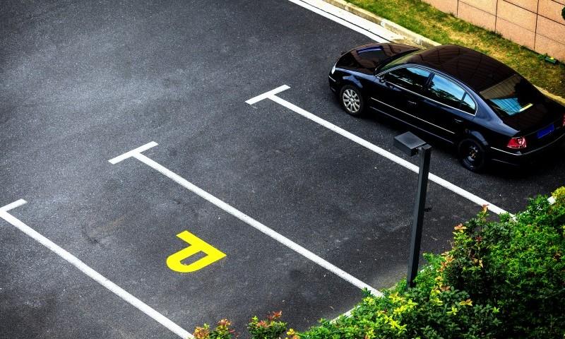 amenzi pentru şoferii din Sectorul 4 care parchează neregulamentar