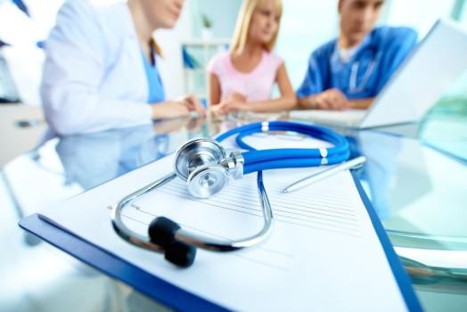 se caută personal medico-sanitar și registratori medicali