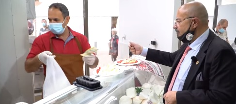 hala dedicată producătorilor autohtoni din Piața Rahova