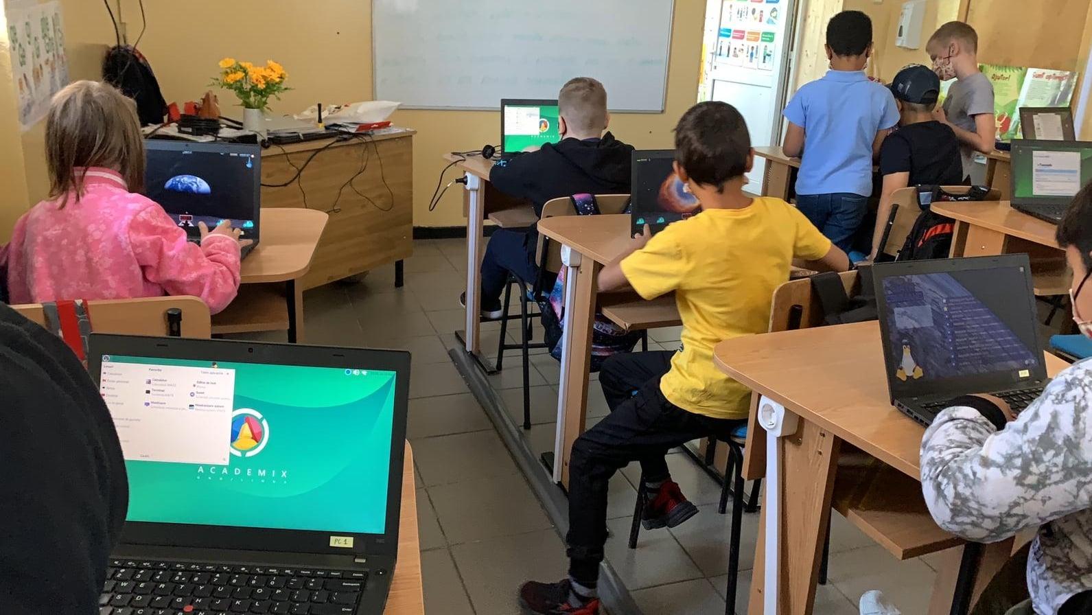 Prima sală de clasă complet digitalizată din Sectorul 2